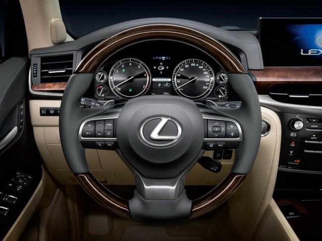 2016 Lexus LX 450d