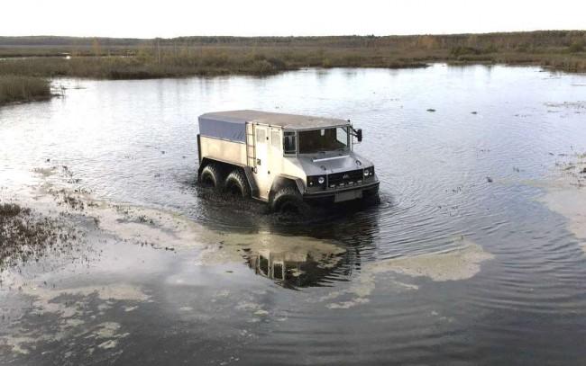 ВЕкатеринбурге протестировали российский грузовой вездеход «Бурлак»