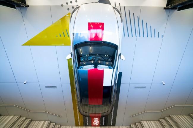 Инсталляция Hyundai Sonata в Hyundai MotorStudio