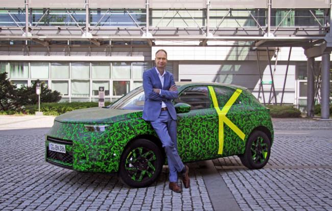 Генеральный директор компании Opel Майкл Лошеллер