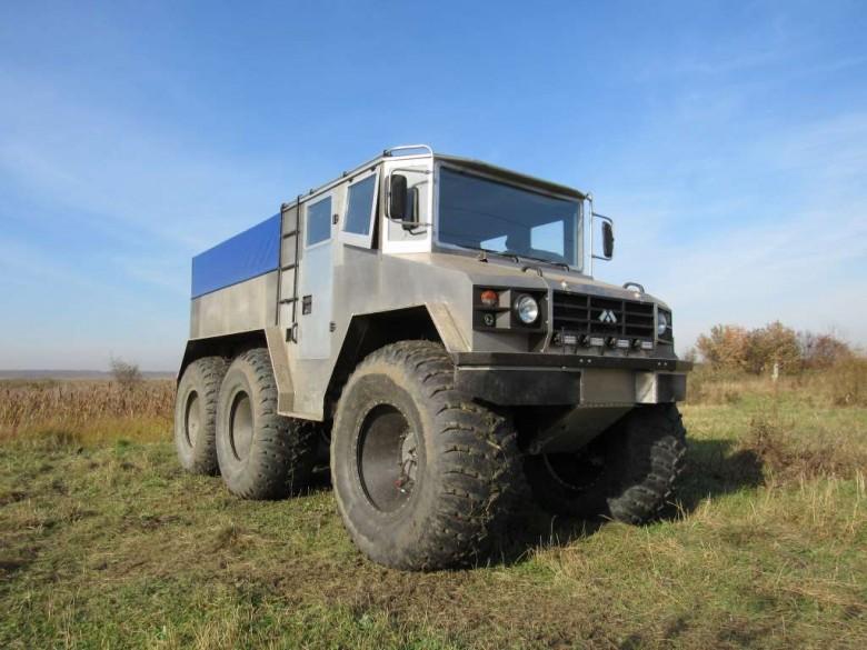 ВЕкатеринбурге протестировали русский грузовой вездеход «Бурлак»