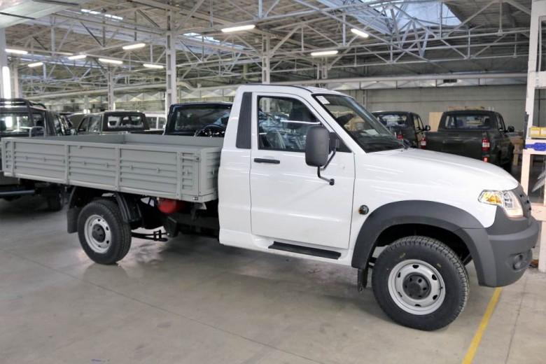 В РФ УАЗ начал продажи битопливного УАЗ «Профи»