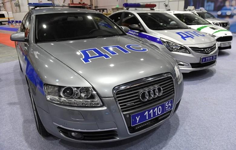Новая цветовая гамма машин полиции