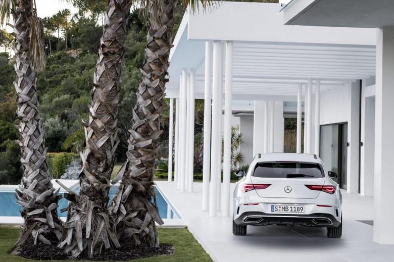 Benz официально представил CLA Shooting Brake вЖеневе