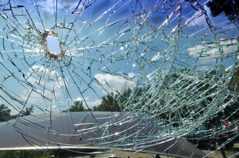 Попал камень в лобовое стекло каско югория